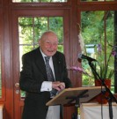 Fotograf: Margita Herz Ehrenvorsitzender Dr. von Bargen spricht zu den Gästen